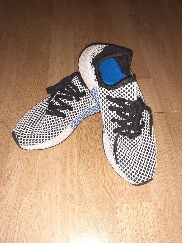 Adidas original broj 39,5 duzina gazista 24,5cm malo nosene manje ostecenje vidi sliku