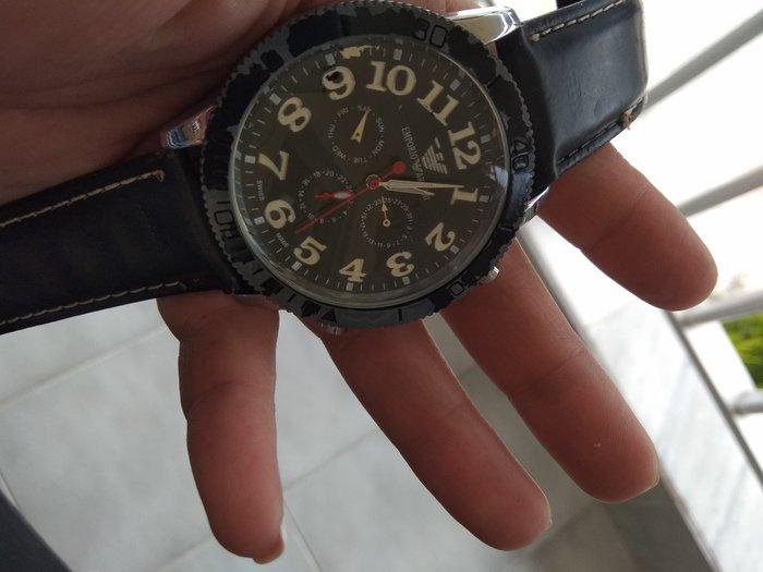 Armani παλιό ρολόι αυτόματο σε Νέοι Επιβάτες