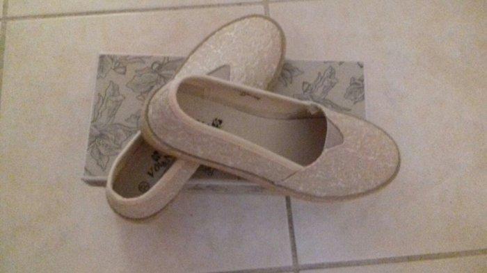 Ολοκαίνουρια παπούτσια Voi Noi, νο37,. Photo 6