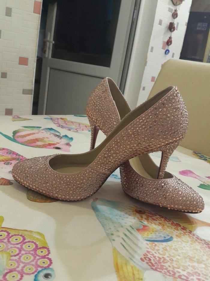 Bakı şəhərində туфли