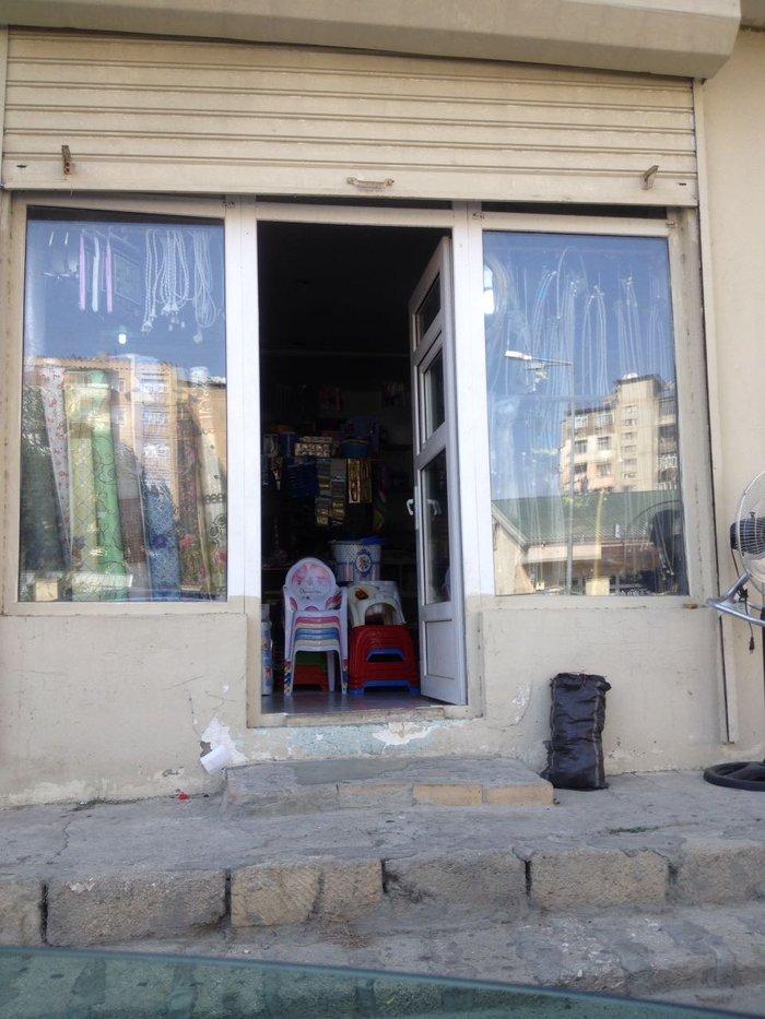 Bakı şəhərində hal hazirda isleyen tikinti materiallari magazasi icareye verilir