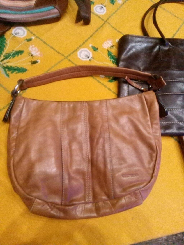 Kozne torbe donete iz Francuske u perfektnom stanju za dodatne slike pitajte koja vas interesuje slikacu