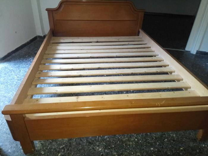Κρεβάτι ξύλινο 210*160 με τάβλες χωρίς στρώμα. Μεταχειρισμένο. Photo 0