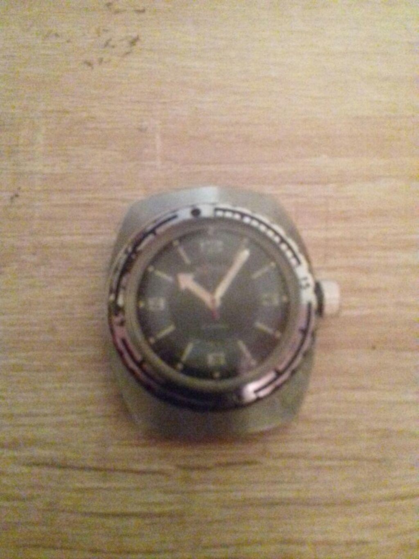 Часы ссср продам амфибия часы мужские продам заря