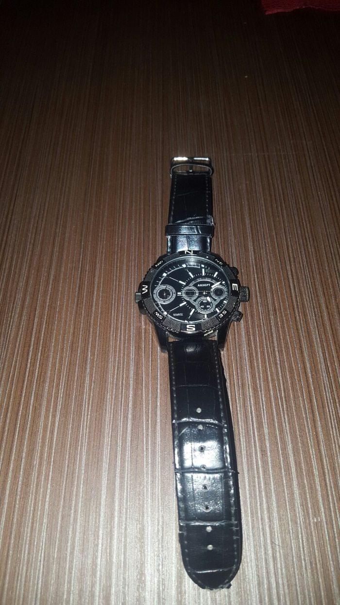 Igračke - Krusevac: Orginal Aksept sat.Jedan hronometar je u funkciji ostali su ukrasni