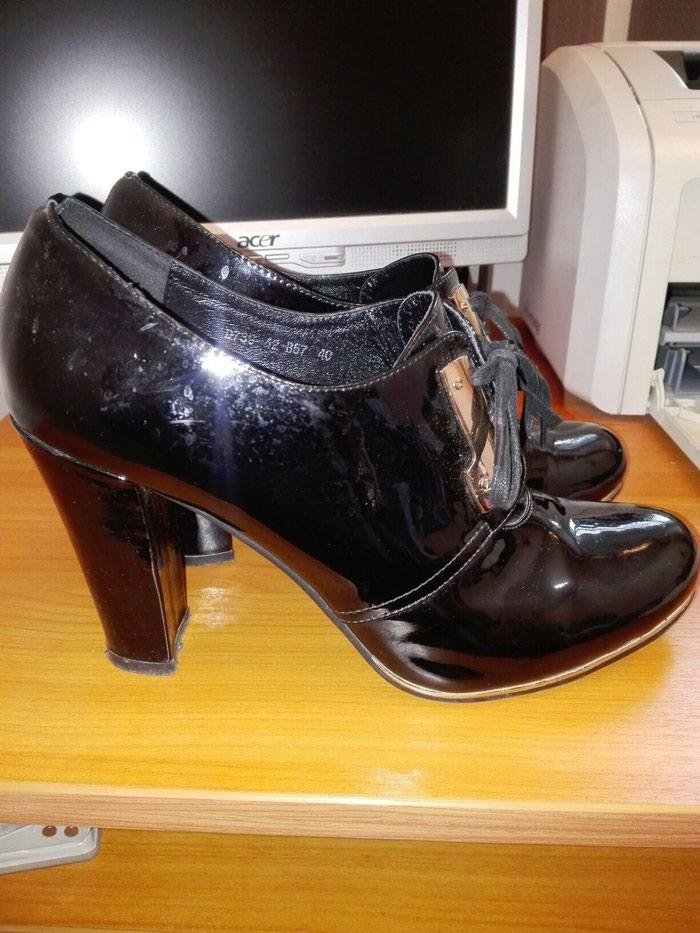 b2a9f20110a9 туфли кожа лак 40 разм - Договорная в Бишкеке: Ботильоны на lalafo.kg