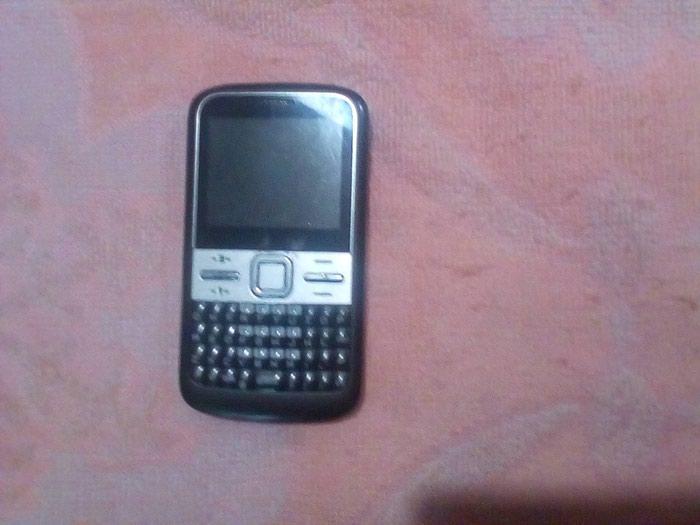 Nokia ,sa 3 broja,radi na sve mreze,,sa punjacem. Photo 0