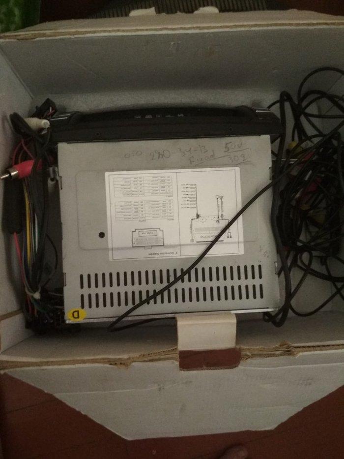 Kia Sorento 2009-2012 ucun DVD manitor, az islenib. Photo 1