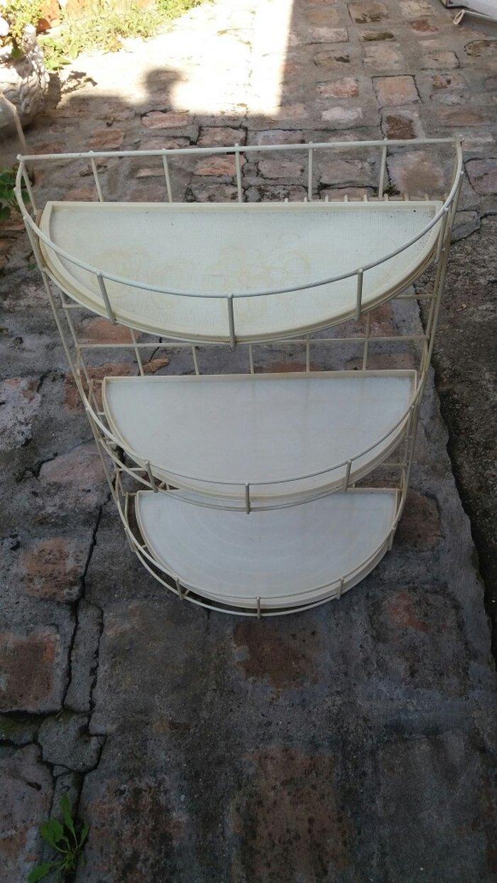 Stalaza za kupatilo... Dimenzije:42cm sirina, 52cm duzina, 21cm - Beograd