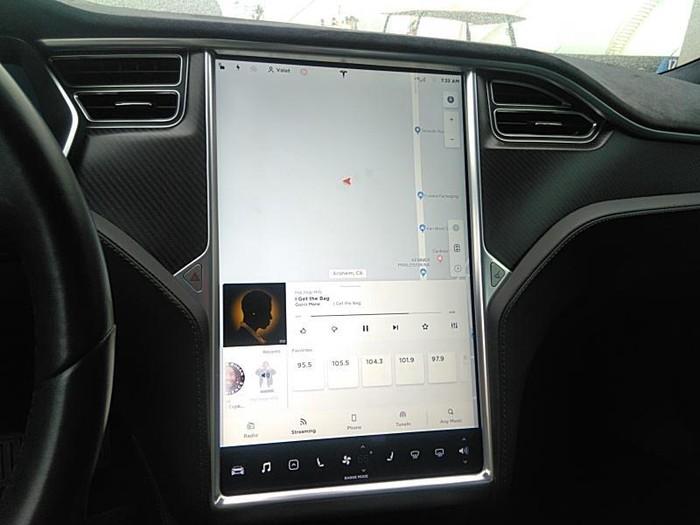 Tesla Model S 2016. Photo 3