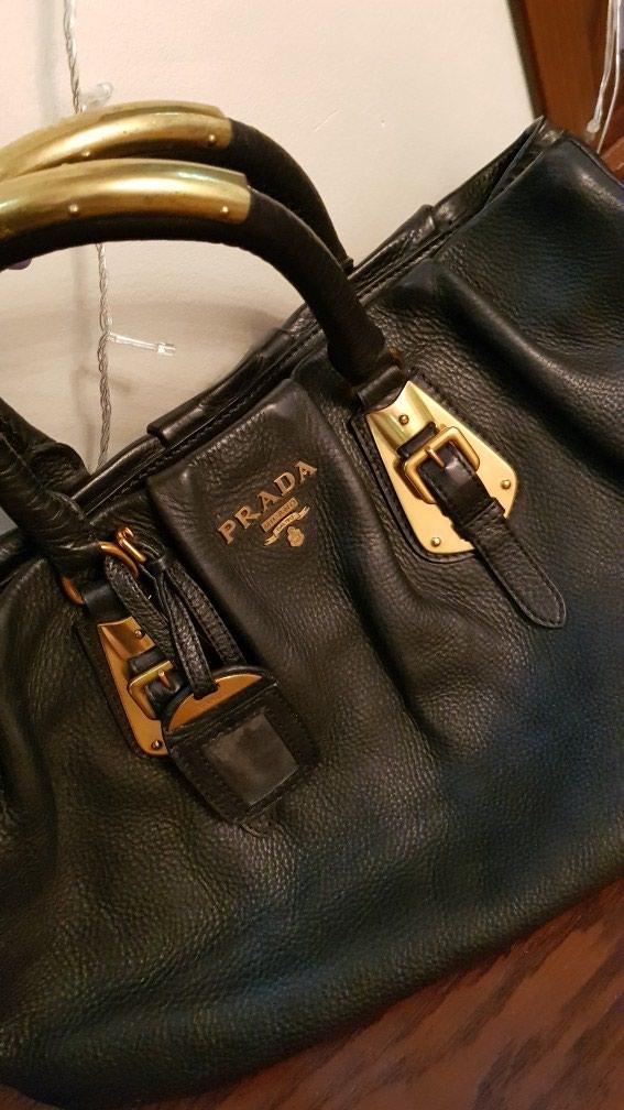 9ceb4a01ab76 Продаю сумку Prada оригинал. за 10000 KGS в Бишкеке: Сумки на lalafo.kg