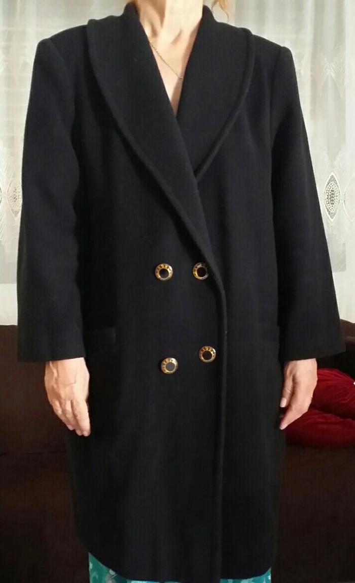 Πωλείται Γυναικείο Παλτό χρώματος μαύρο, σέ εξαιρετική κατάσταση