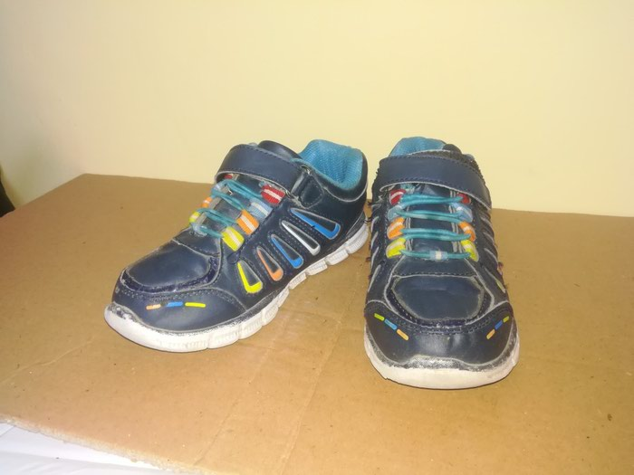 8c06137af Кроссовки детские, размер 33-34 за 250 KGS в Бишкеке: Детская обувь ...