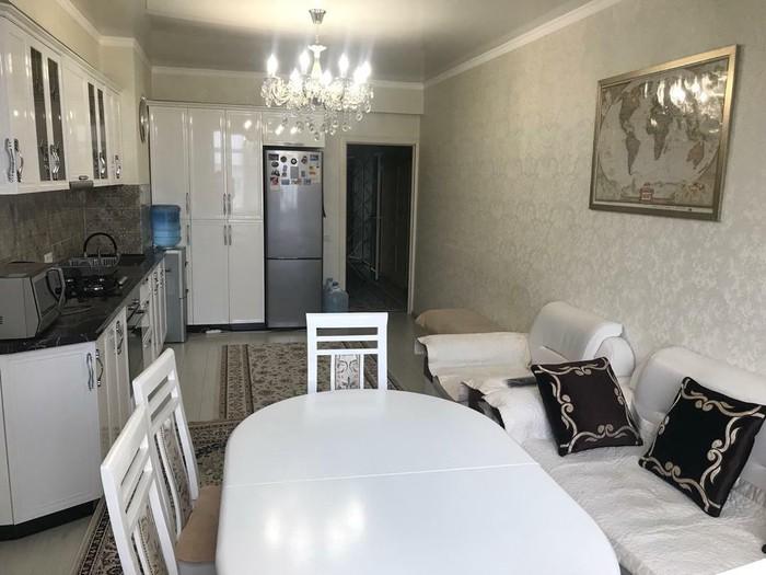 Продается квартира: 2 комнаты, 85 кв. м., Бишкек. Photo 1
