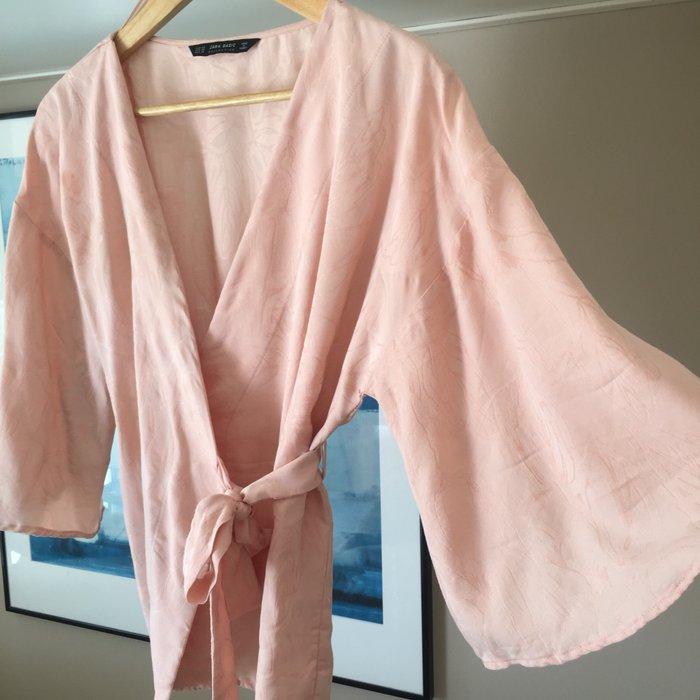 Zara Woman ροζ παλ κιμονο-μπλούζα με. Photo 1