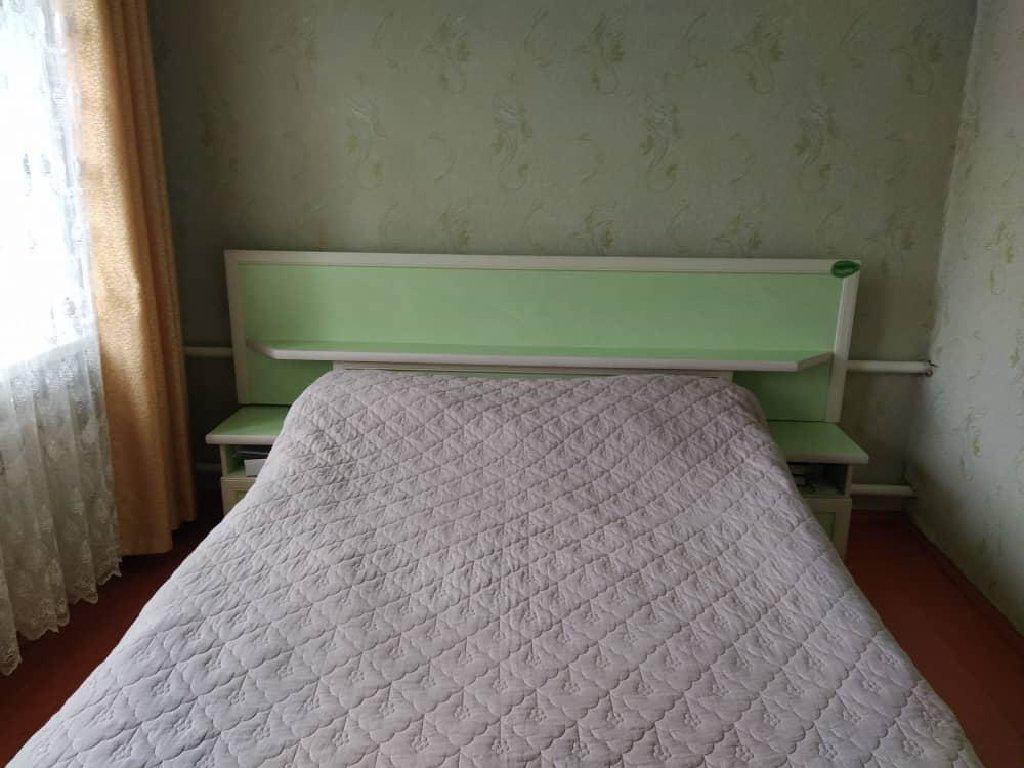 Продаю б/у гарнитур спальный. Цена договорная