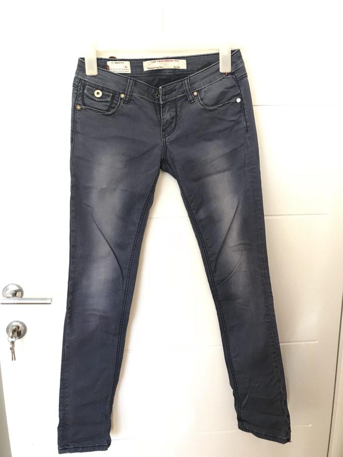 Pantalone/farmerice. kao nove. XS