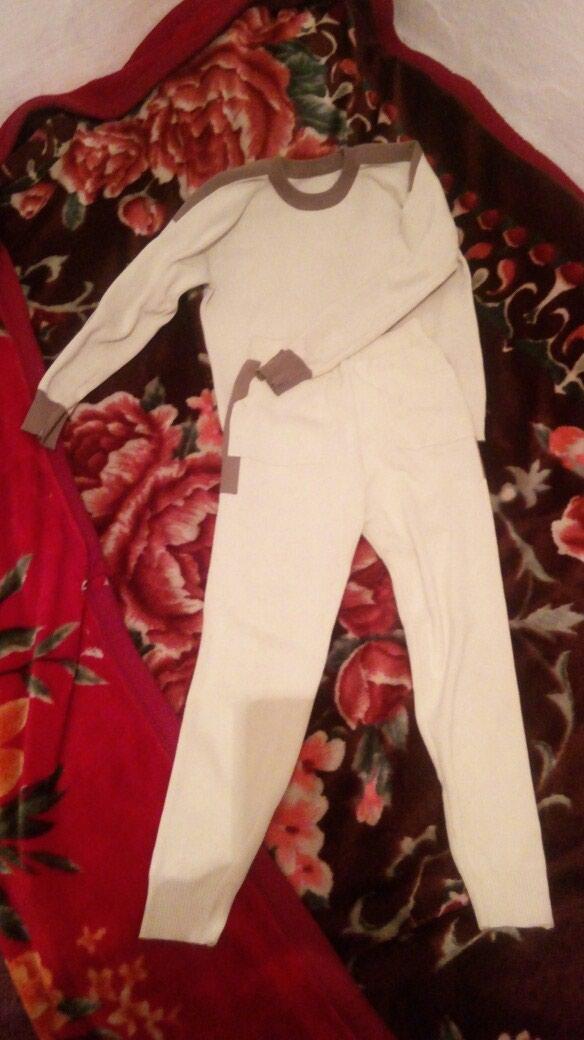 Спортивный костюм 500свотс . Photo 1
