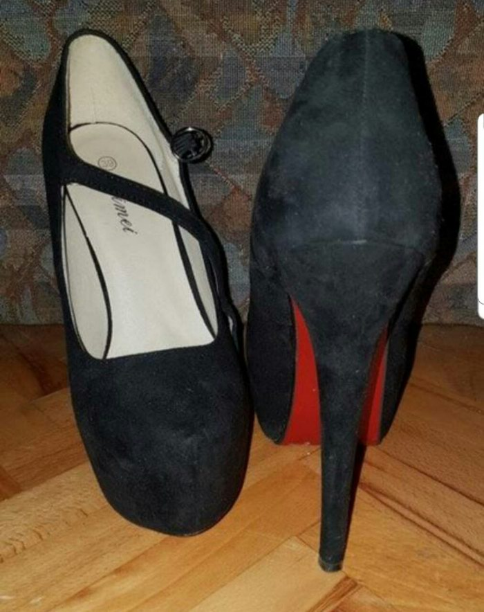 Crne cipele sa visokom stiklom broj 39