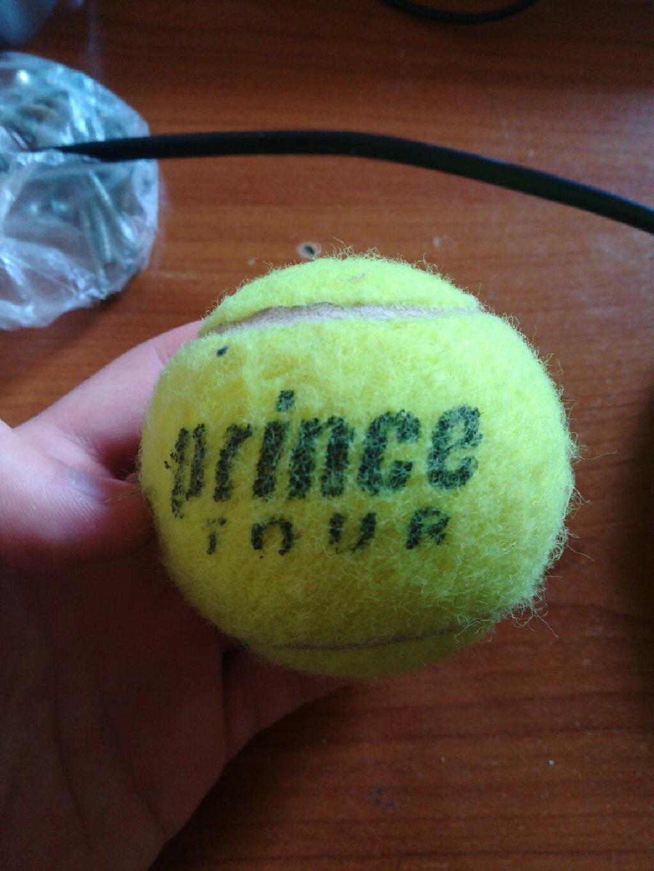 3 μπάλες του τένις