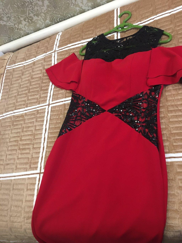 Очень нарядное платье, 44-46 размер, брала за 6 тыс сом отдам за 2500 , почти новое, одевала всего пару раз