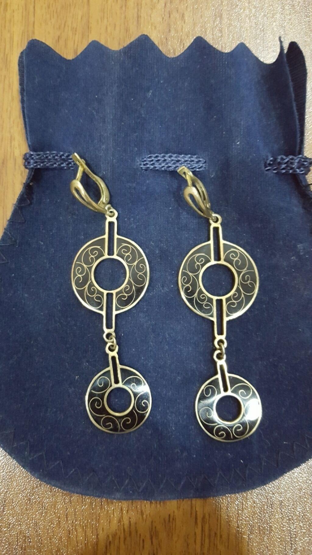 Серебро с позолотой покупалось в грузии   Elan yaradılıb 14 Oktyabr 2021 13:05:32   SIRĞALAR: Серебро с позолотой покупалось в грузии