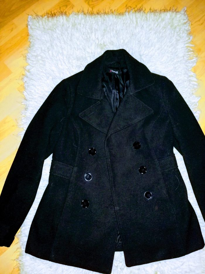 Ženski kaputi. Photo 1