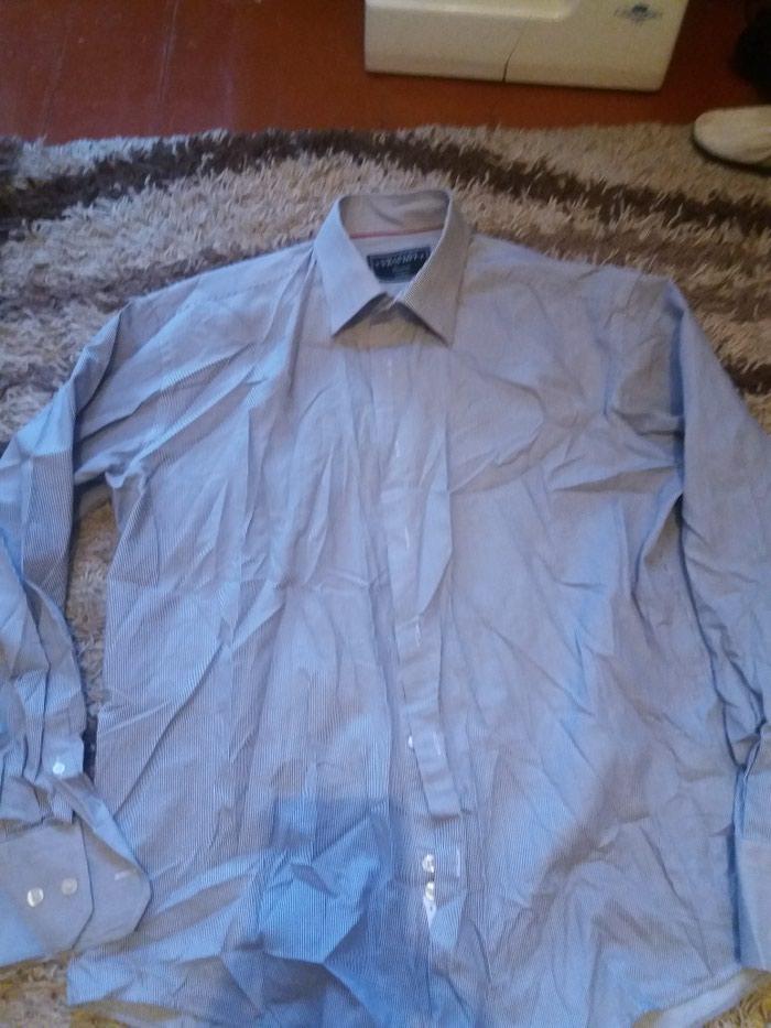 c45264a54626ad6 рубашка б/у за 200 KGS в Бишкеке: Мужские рубашки на lalafo.kg