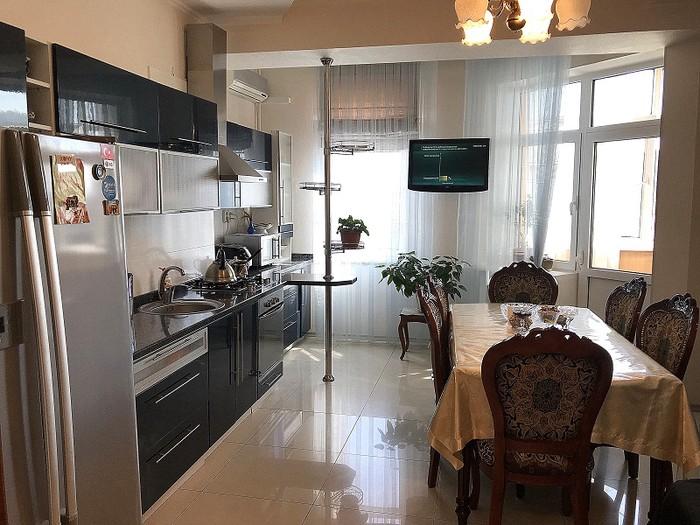 Продается квартира: 3 комнаты, 147 кв. м., Бишкек. Photo 1