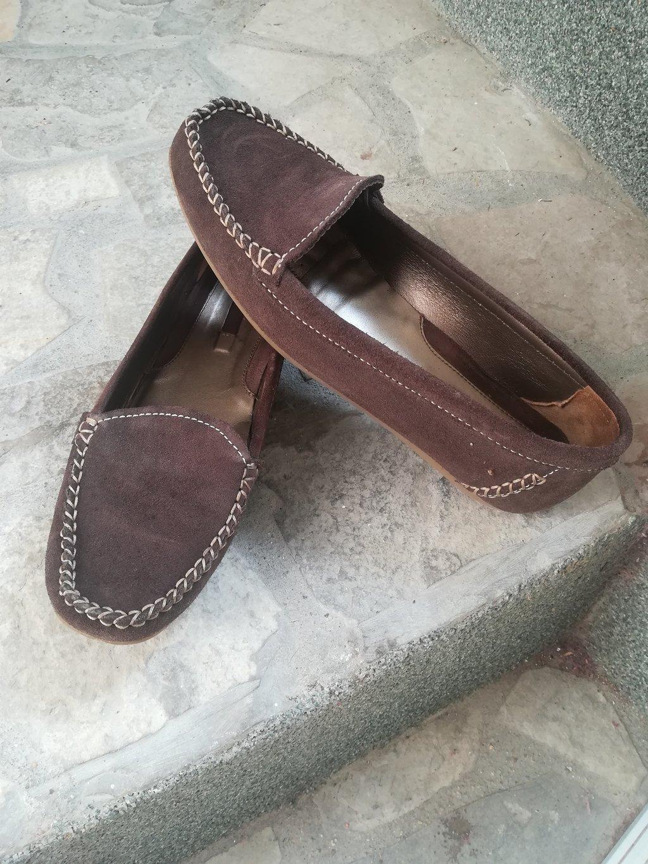 Prelepe i udobne cipele mokasine braon boje vel 40, duž gaz 25 cm, nošene ali očuvane