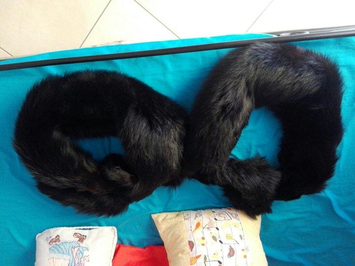 80 ευρώ το ζευγάρι. 6 γούνινοι γιακαδες (4 ρενάρ και 2 βιζόν). Photo 2