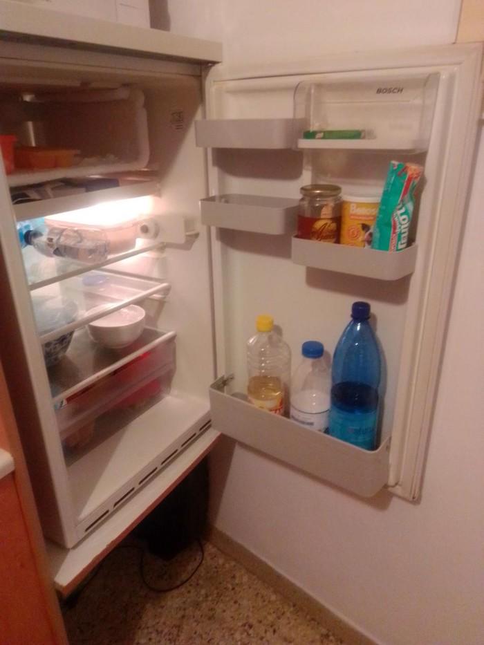Μεταχειρισμένο Ενιαίος θάλαμος άσπρο refrigerator Bosch. Photo 2