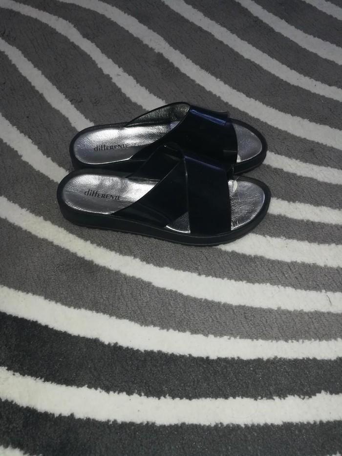 Papuce nove,br 38