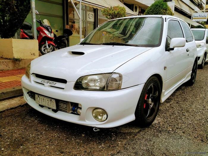 Toyota Starlet 1998. Photo 0