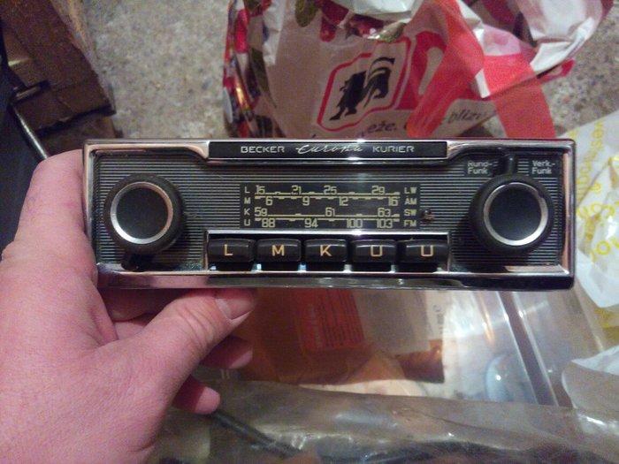 Radio beker europa iz 1969 ispravan 500e - Beograd