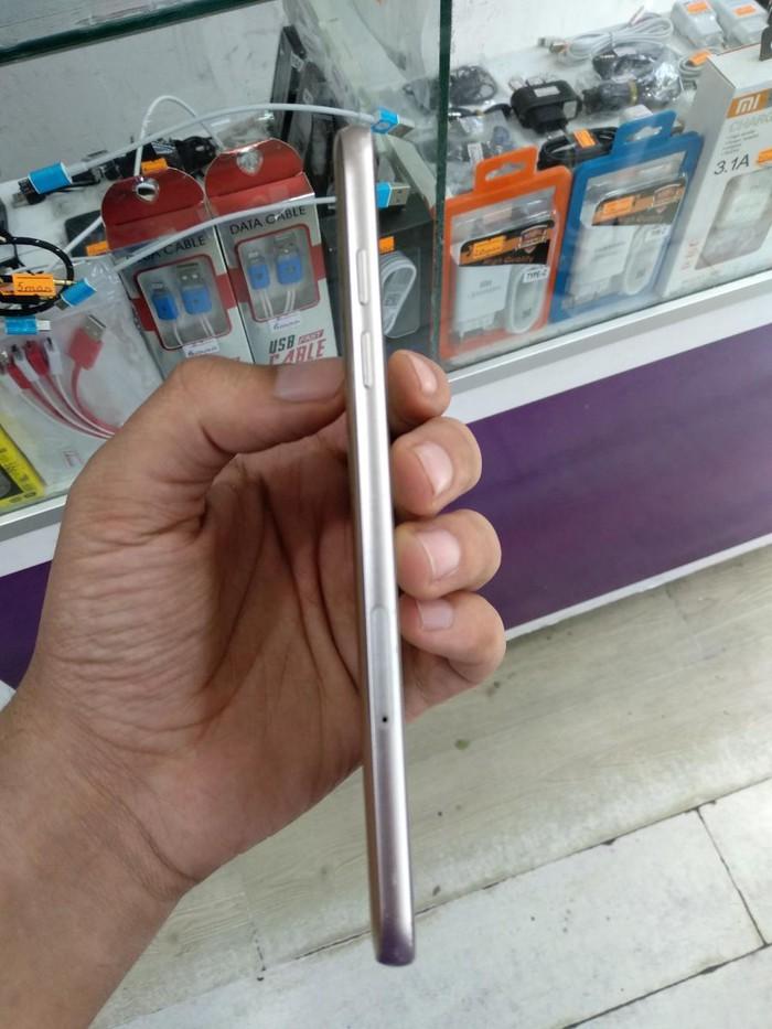 Samsung . Photo 2