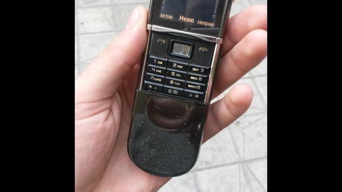 Bakı şəhərində Nokia 8800 sroki bez prablemi islek vezyetdedi