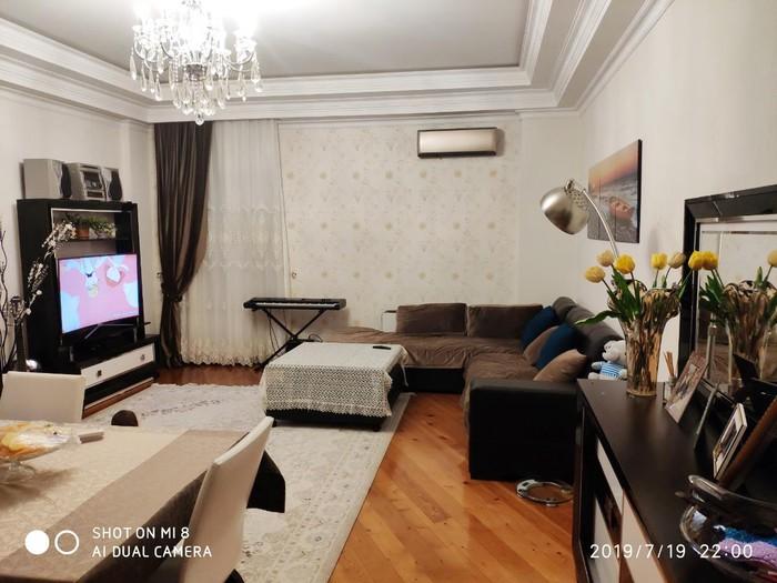 Mənzil satılır: 2 otaqlı, 101 kv. m., Bakı. Photo 1