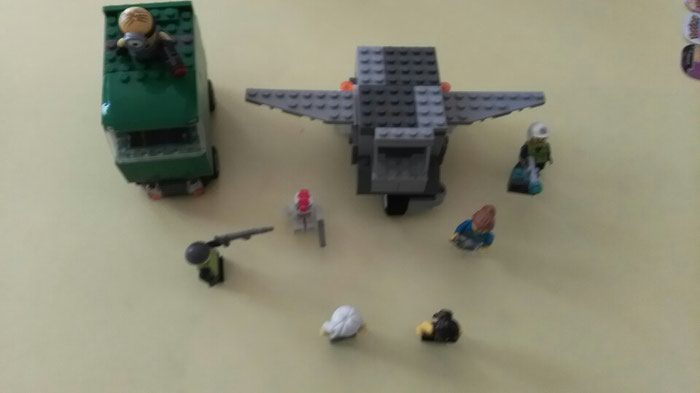 7 χαρακτήρες lego και 2 οχήματα lego (ένα. Photo 2