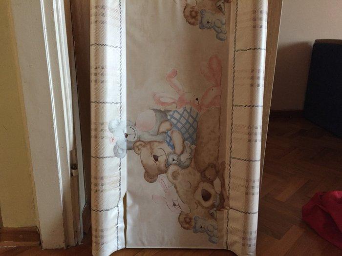 Daska za presvlacenje bebe,malo koriscena,ide na svaki krevetac ili na - Beograd