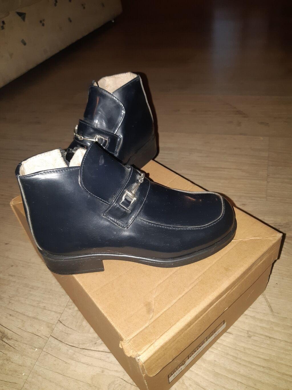 Nove italijanske cipele za devojcice, broj 29. Novo: Nove italijanske cipele za devojcice, broj 29. Novo
