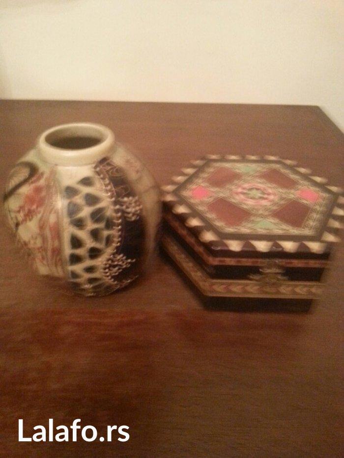 prodaje se japanska vaznica i kutija sa poklopcem komplet - Crvenka