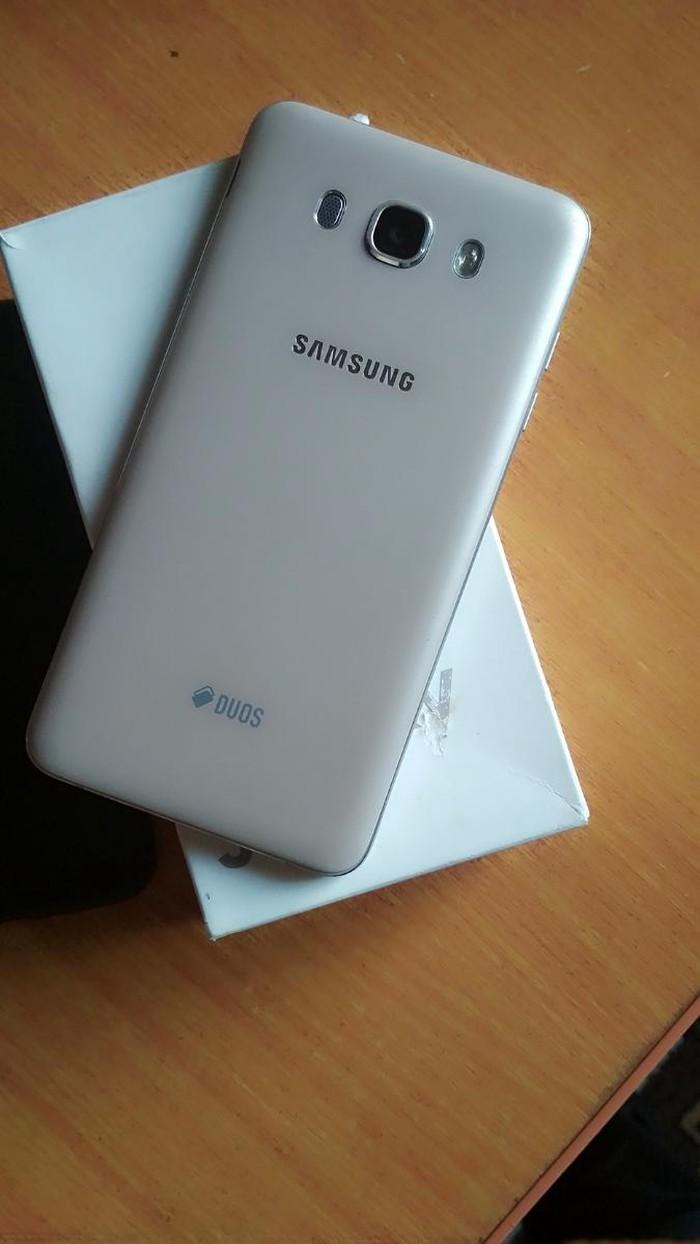 Б/у Samsung Galaxy J7 2016 16 ГБ . Photo 1
