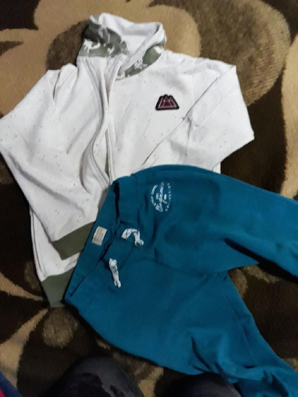 BEBA KIDS dukser i donji deo trenerke za decaka vel duksera 8, vel trenerke 6, veci model odgovara vel 8