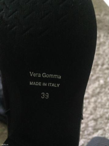 Nove italijanske kozne cizme Vera Gomma  br 39  - Indija