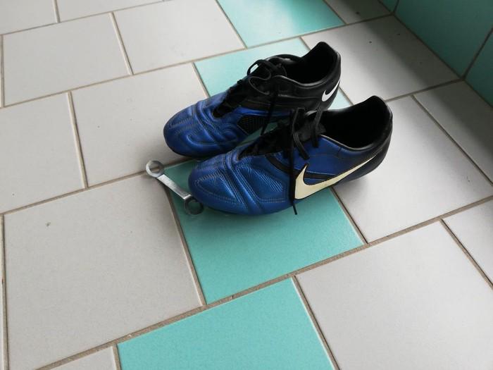 Nike ποδοσφαιρικα παπούτσια  κατάλληλα για μαλακό γήπεδο  38 νούμερο. Photo 3