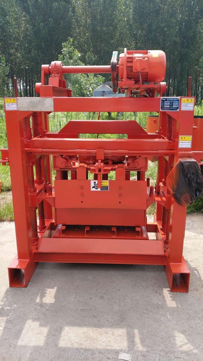 Станок для производства пескоблока (Станки Для шлакоблоков). Photo 1