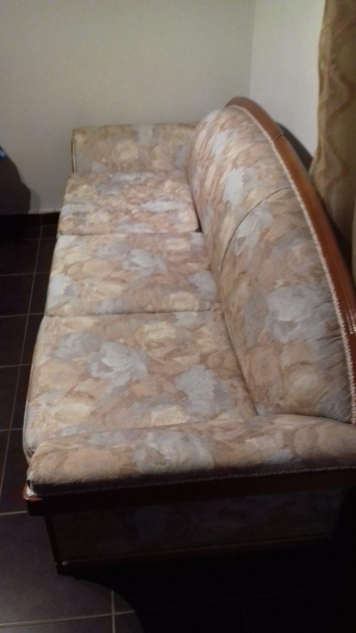 Τριθέσιος Καναπές και Πολυθρόνα σε άριστη κατάσταση . Photo 3
