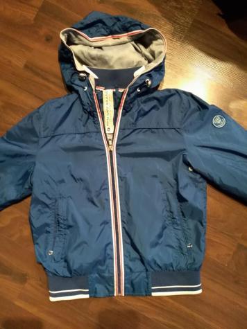 Šuškava jakna za dečaka. Veličina 10. Odlično očuvana i bez oštećenja