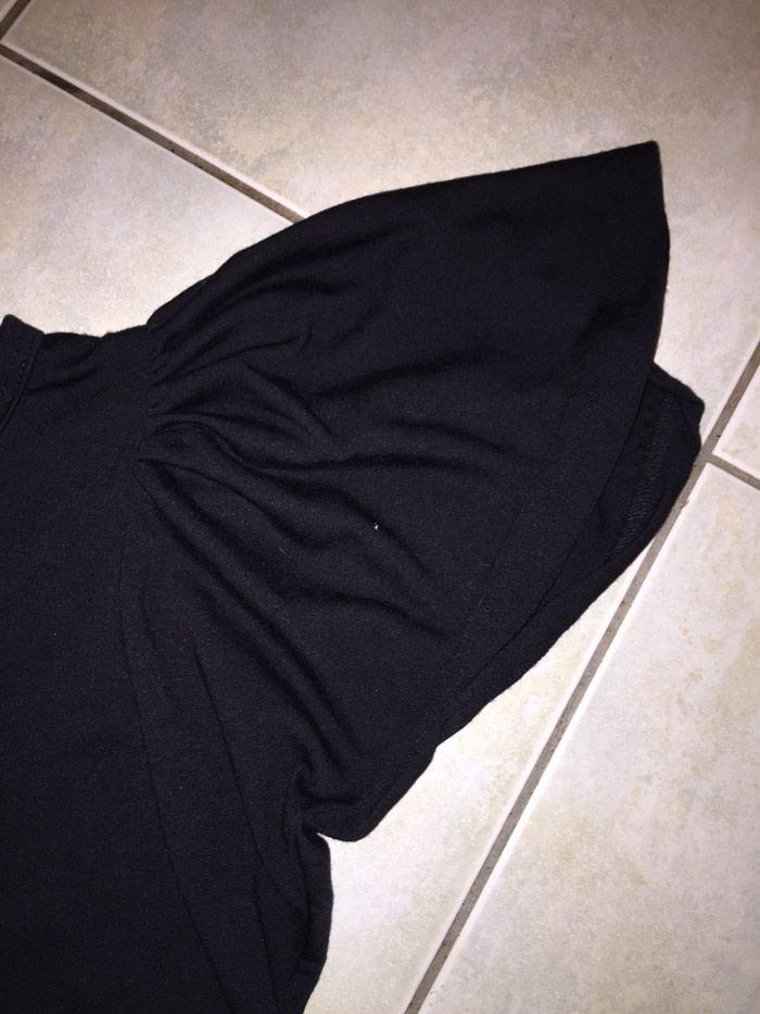 Μαύρο βαμβακερό Τ-shirt με ιδιαιτερο μανικι . Νο med. Οκοκαίνουργιο. Photo 2